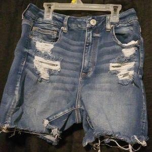 Curvy shorts!